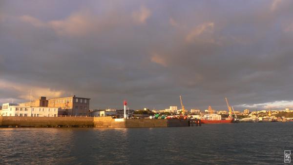 Getting back in brest trade harbour at sunset retour dans le port de commerce de brest au - Restaurant port de commerce brest ...